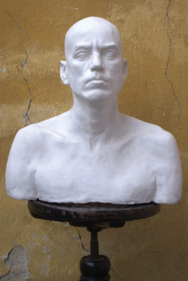 Petr Mucha - study plastic - Portrait of a Young Man - 2012 - 50 x 40 x 35cm - plaster - en face